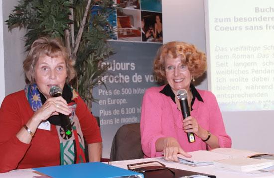 A droite : Claire FOURIER - à gauche : son interprète : Cornelia Horst
