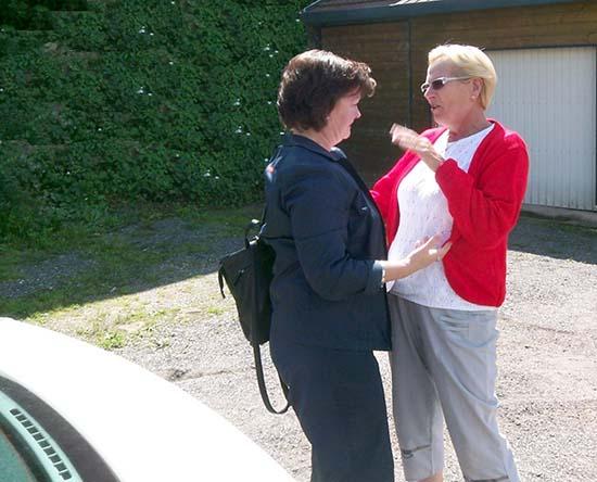Betty und Christiane, zwei Cousinen finden sich
