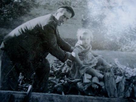 Anita Baby (mit einem Kriegsgefangenen). Sein Vater?