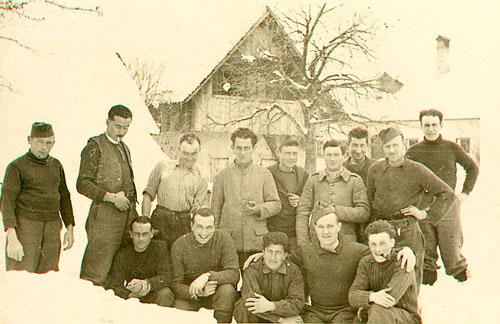 En hiver, devant le Stalag XVIII A
