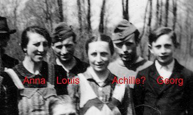 Achilles (2. von rechts)