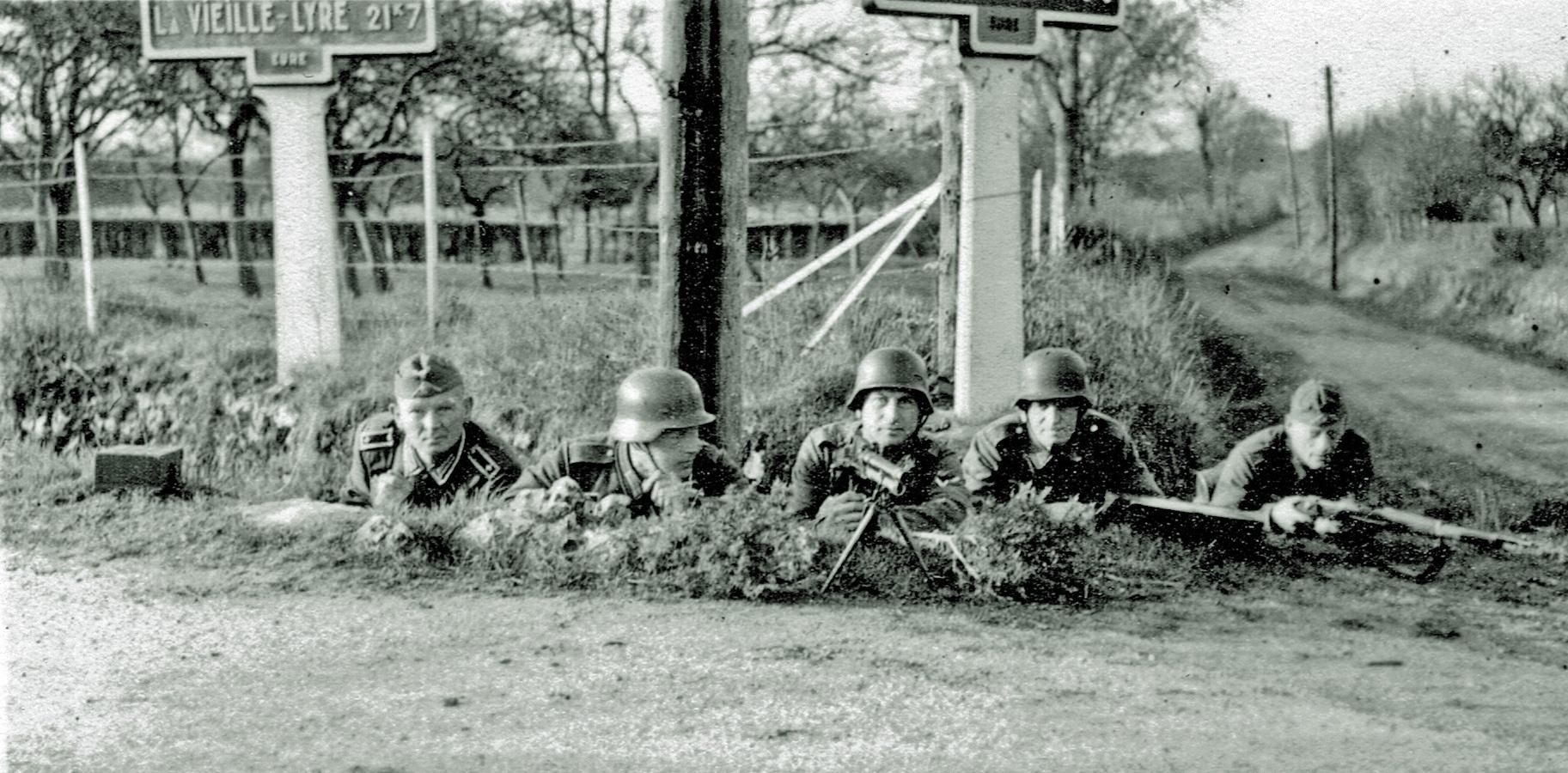 La vielle Lyre dans l'Eure 12. Mai 1941
